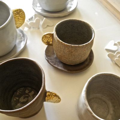 cups with gold handle